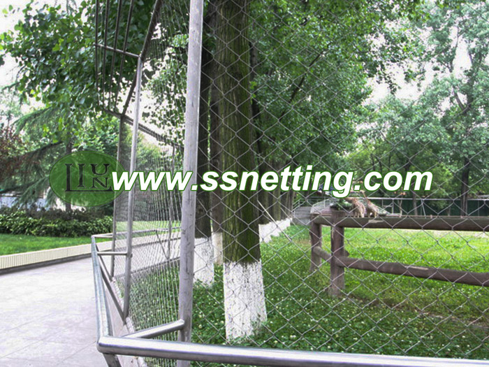Suppy deer barrier netting