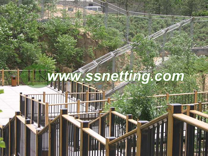 Stainless steel cable netting is the mainstream product for zoo animal enclosure fence mesh