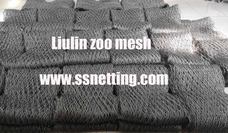 flexible stainless steel animal fence mesh.jpg
